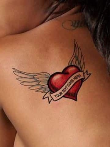 tatuajes de corazones con alas para mujeres