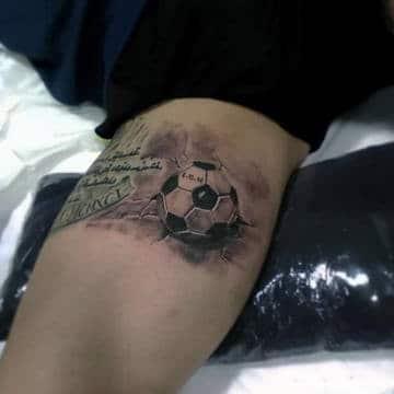 tatuajes de futbol en el brazo con frase