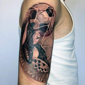 tatuajes de futbol en el brazo para hombres