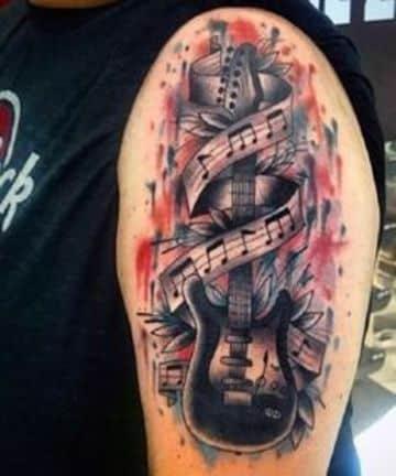 tatuajes de guitarras electricas en el brazo