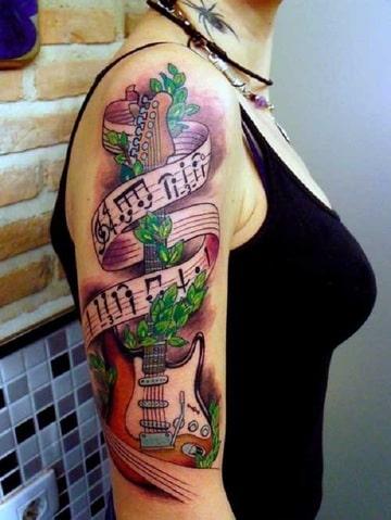 tatuajes de guitarras electricas para mujeres