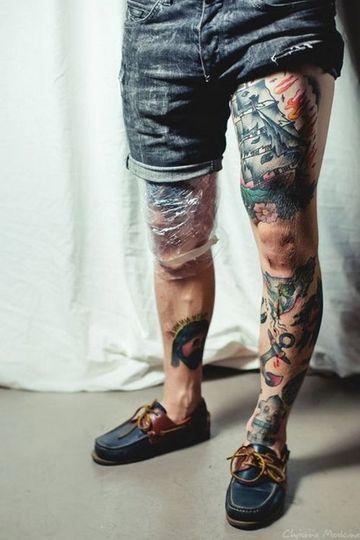 tatuajes en el muslo para hombres a color