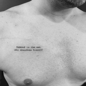 tatuajes en el pectoral pequeños de frases
