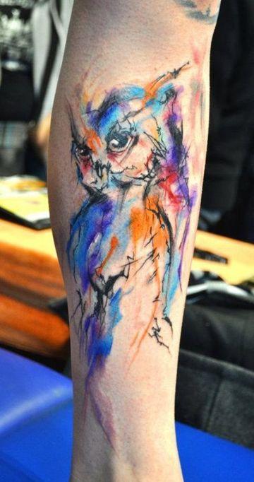 tatuajes de acuarela para hombres en la pierna