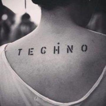 tatuajes de musica electronica de mujeres