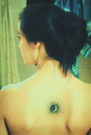 tatuajes de sol y luna en la espalda