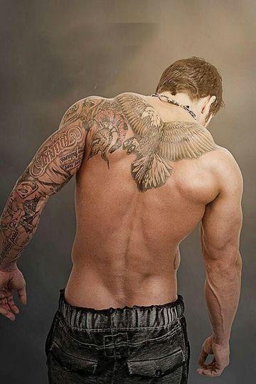 tatuajes tradicionales para hombres aguilas