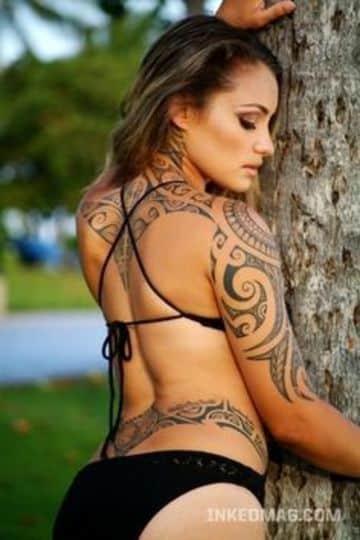 tatuajes tribales en la espalda mujeres