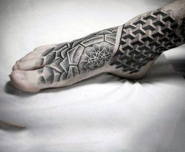 tatuajes en el pie para hombres tribales
