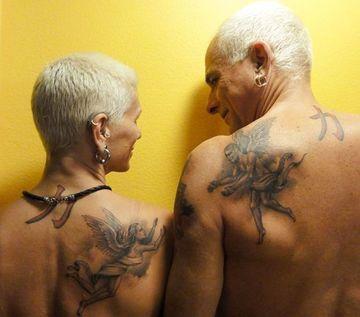tatuajes para parejas en la espalda mayores de 50