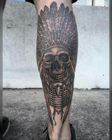 imaganes de tatujaes de calaveras con penacho