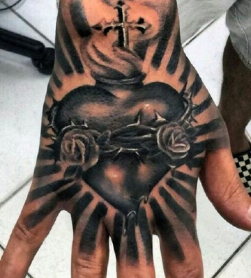 imagenes de tatuajes de corazones para hombres