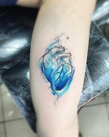 modelos de tatuajes de corazones para hombres