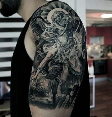 tatuajes de angeles y demonios en el brazo