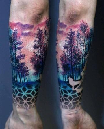 tatuajes de bosques en el antebrazo a color