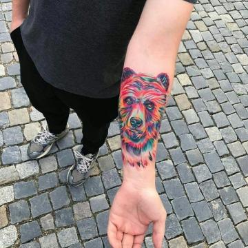 tatuajes de osos para hombres a color