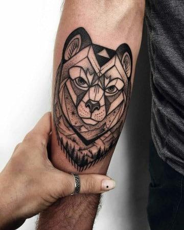 tatuajes de osos para hombres en el antebrazo