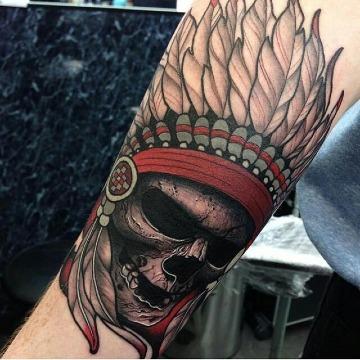 tatujaes de calaveras con penacho significado