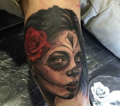 fotos de tatuajes de catrinas en la pierna