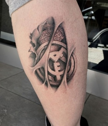 tatuajes en la pantorrilla de futbol para hombres