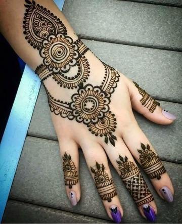 como cuidar un tatuaje de henna paso a paso