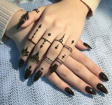como cuidar un tatuaje de henna sencillo