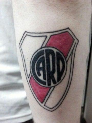 diseños de tatuajes de escudos de futbol