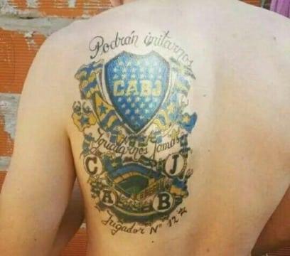 escudos de boca para tatuar en la espalda