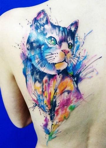 fotos de tatuajes de gatos en acuarela