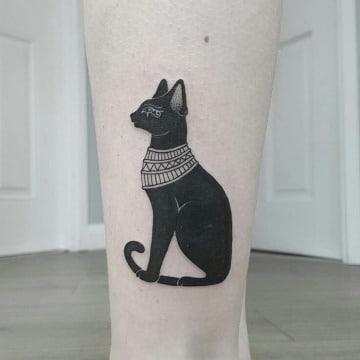 tatuajes de gatos egipcios para mujer