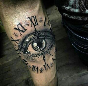 tatuajes de ojos realistas en el antebrazo