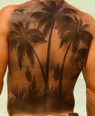 tatuajes de paisajes en la espalda para hombres