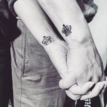 diseños de tatuajes de parejas en la muñeca