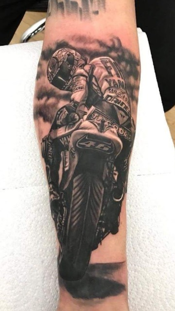 diseños de tatuajes relacionados con motos