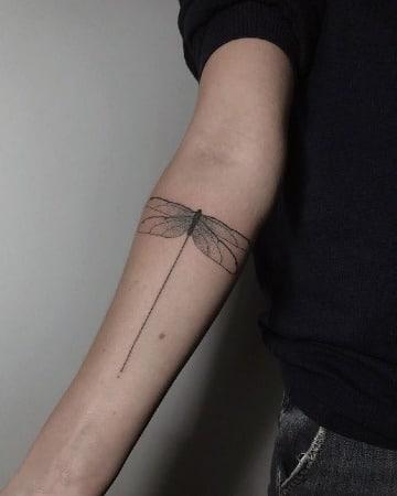imagenes de tatuajes de libelulas para hombres