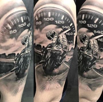 imagenes de tatuajes relacionados con motos