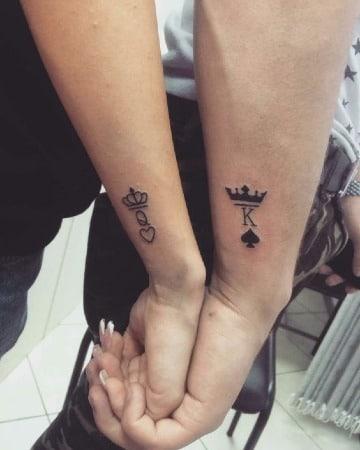 modelos de tatuajes de parejas en la muñeca
