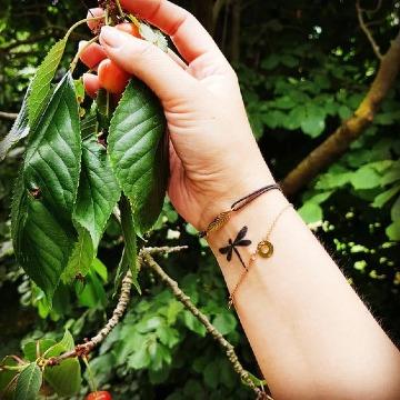 tatuajes de libelulas pequeñas para mujer