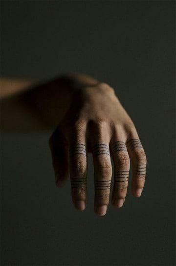 diseños de tatuajes de anillos para hombres