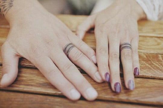 originales tatuajes de anillos de compromiso
