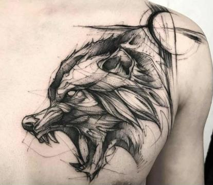 significado de tatuaje de lobo pecho
