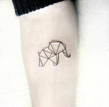 tatuajes de elefantes significado triangulos