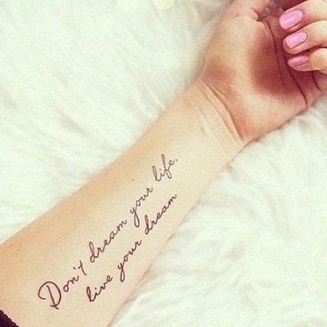 frases para tatuajes de mujer en ingles