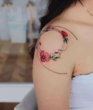 tatuajes de mujer en el hombro bonitos