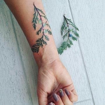 fotos de tatuajes de hojas de arboles