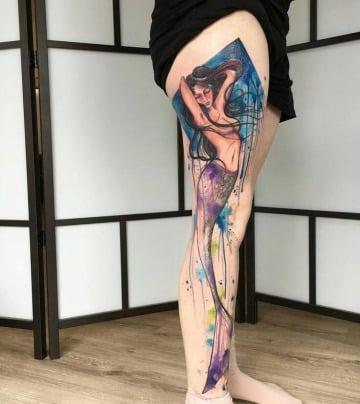 tatuajes de sirenas para hombres en la pierna