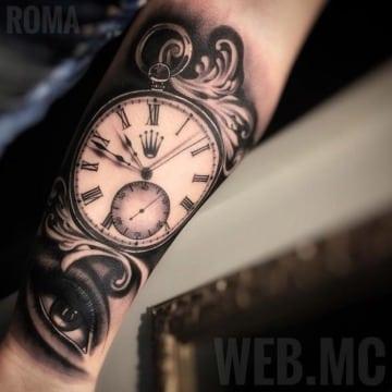 tatuajes de reloj de bolsillo para hombres