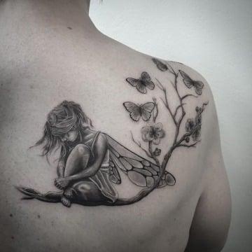 imagenes de tatuajes de hadas en la espalda