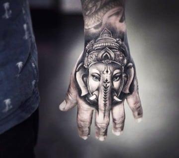significado de elefante en la mano