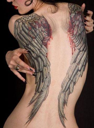 tatuajes de alas en la espalda completa